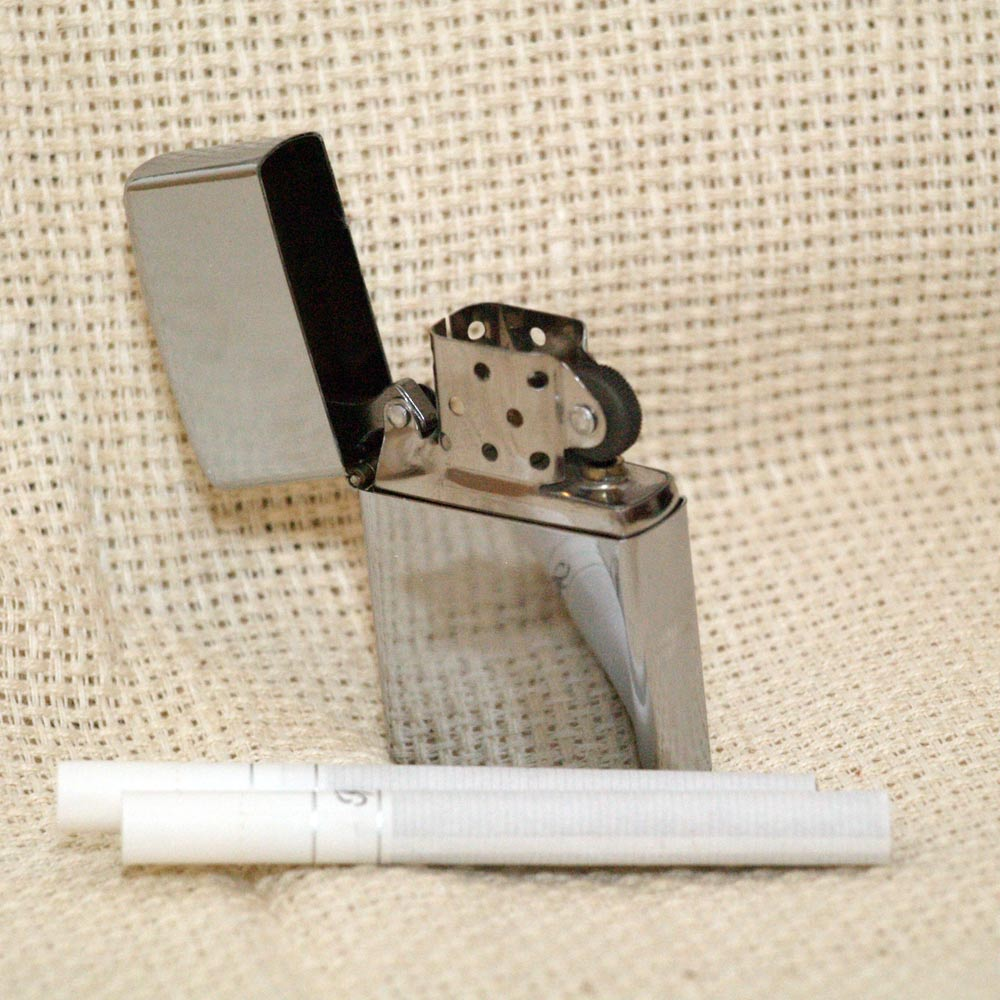 Металлическая зажигалка
